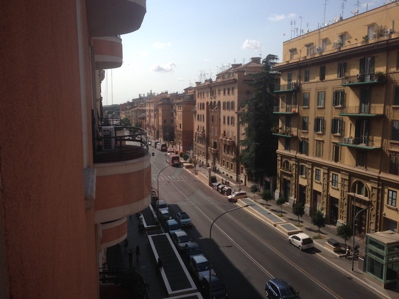 Trilocale in affitto san giovanni in laterano roma for Affitto uso ufficio roma san giovanni