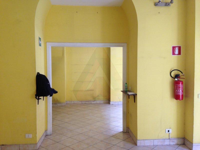 Rione i monti locale commerciale c1 120 mq su 2 for Locale commerciale c1 affitto roma