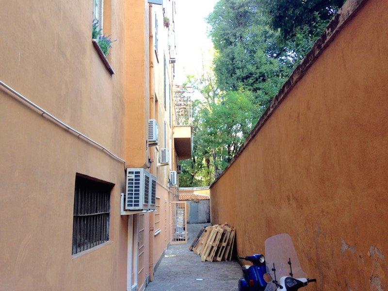 Affitto negozio roma centro con canna fumaria for Affitto locale uso ufficio roma