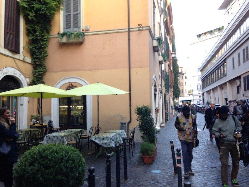 AFFITTO LOCALE RIONE MONTI ROMA - VetrinaFacile.it & Bacheca Immobiliare