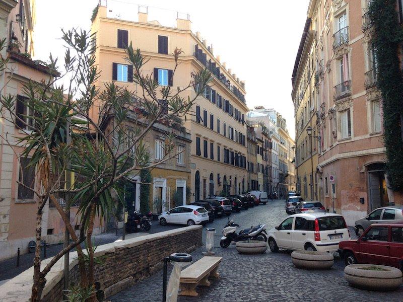 Affitto locale rione monti roma for Affitto locale c1